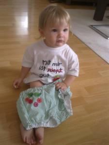 Mit Isabella ist gut Kirschen essen! Tshirt und Bloomer von Frogroggas
