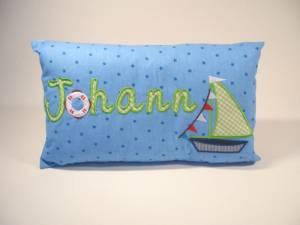 """Kissen """"Johann mit Segelboot"""", 25x40 cm"""
