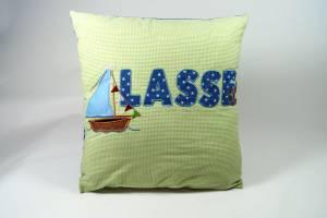 "Kissen ""Lasse mit Segelboot"", 40x40 cm"