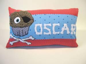 """Kissen """"Oscar, der Piratenmuffin"""", 25x40 cm"""