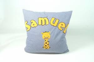 """Kissen """"Samuel mit Giraffe"""", 40x40 cm"""