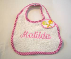 """Lätzchen """"Matilda"""" mit Rassel-Verschluss"""