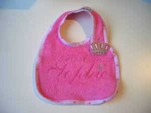 """Lätzchen """"Prinzessin Sophie"""" mit Krönchen-Verschluss"""